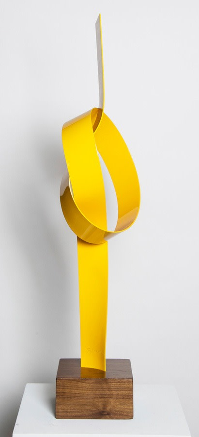 Yellow Up Knot by Joe Gitterman