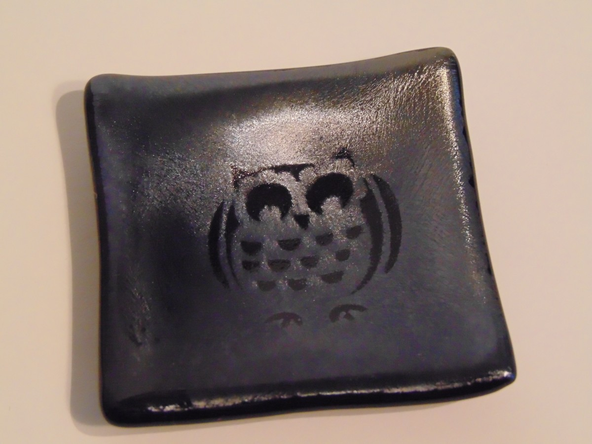 Small dish-Owl on Silver Irid