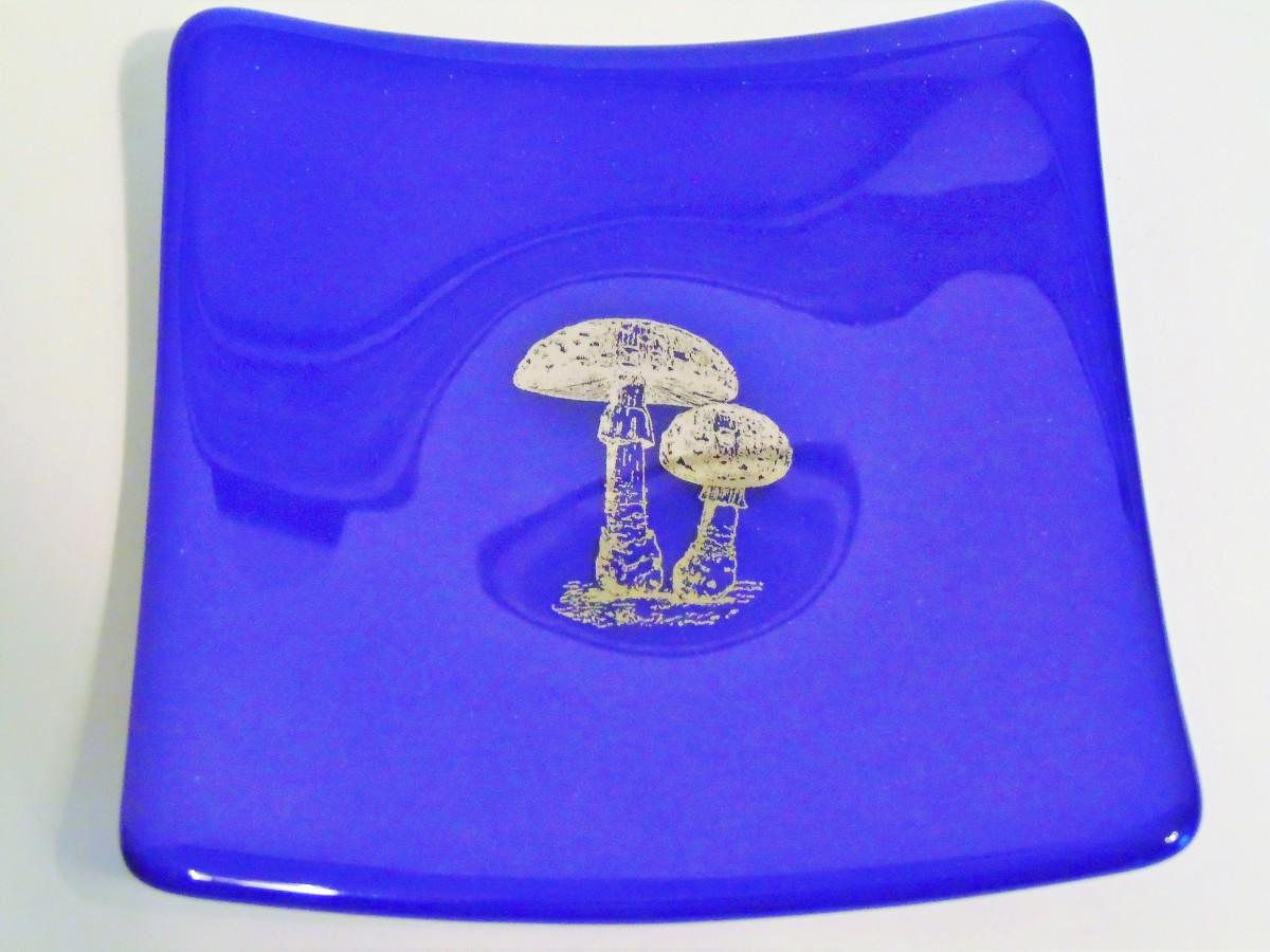 Sushi-Cobalt with Platinum Mushrooms