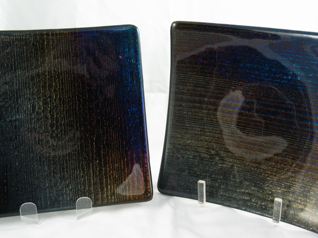 Sushi Plates (Set of 2) Irid Accordian on Black