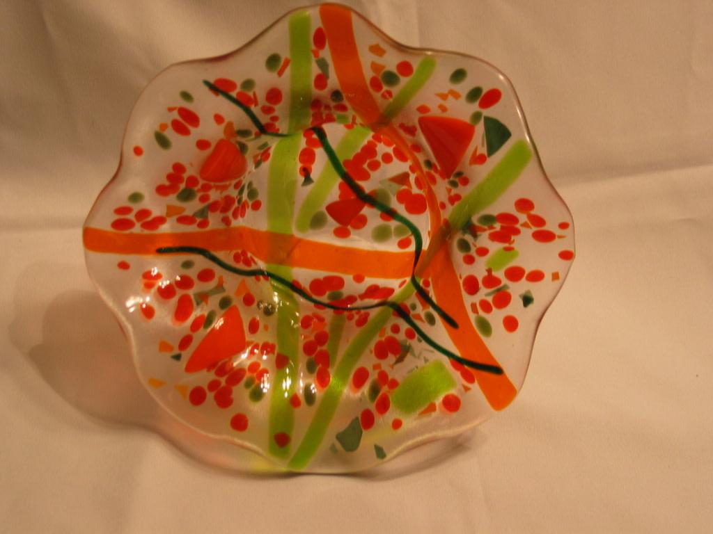 Ruffled Edge Dish--Oranges/Greens