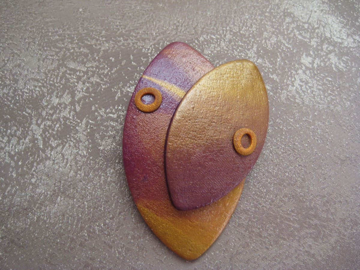 Gold/Purple Pin by Charmaine Harbort