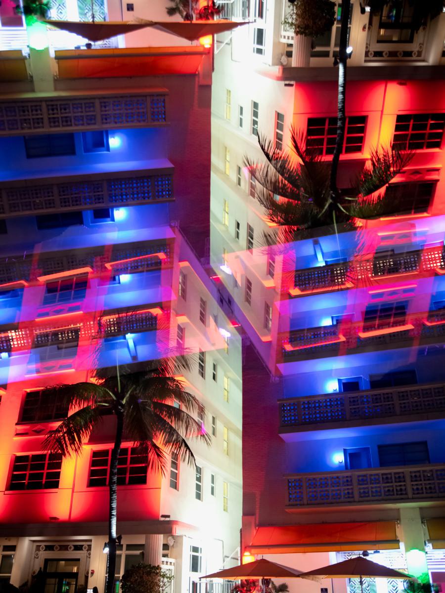Miami Ocean Drive #03 by Robin Vandenabeele