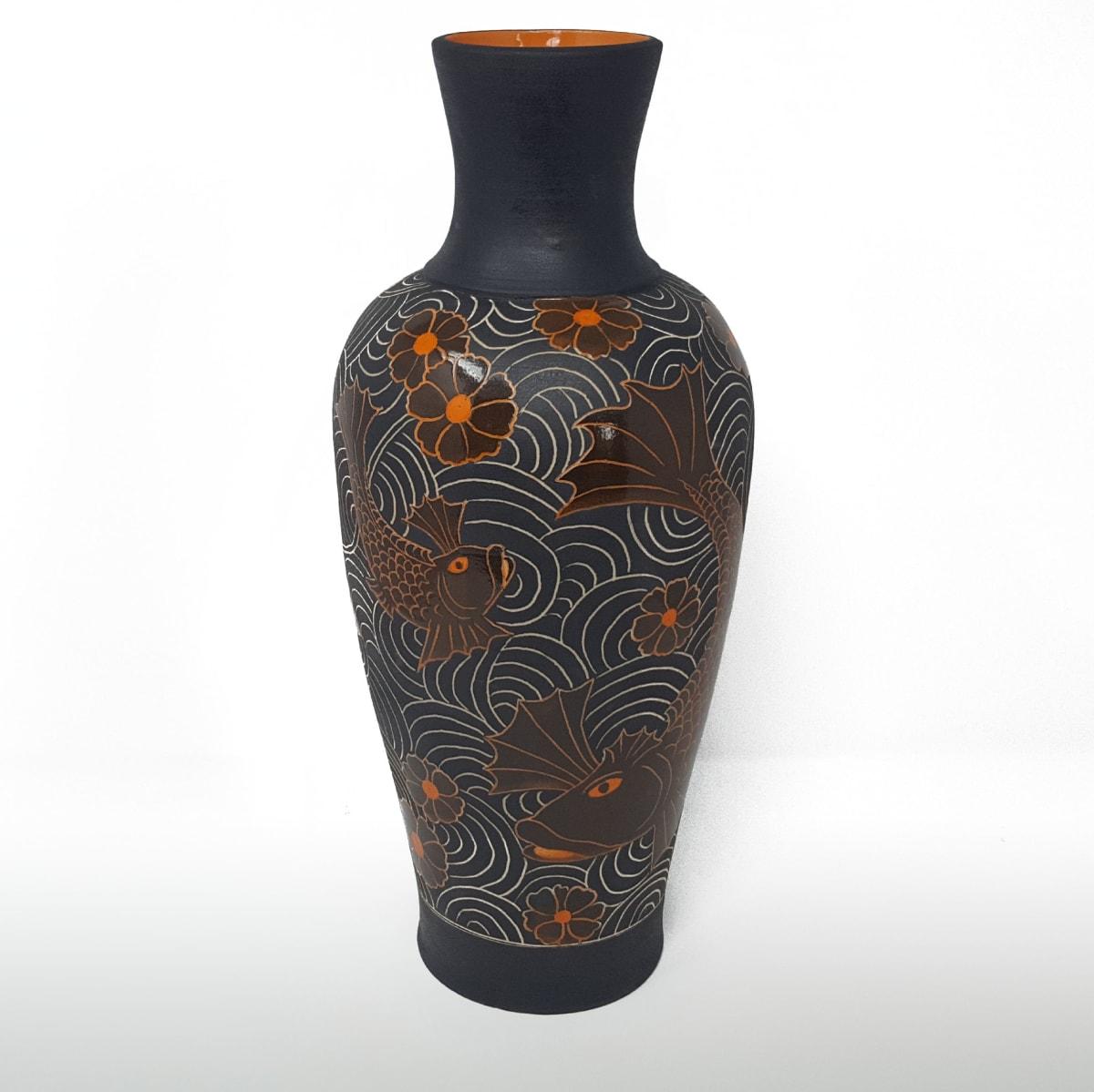 BRI064, Tall Fighting Fish Vase by Jane Bridger