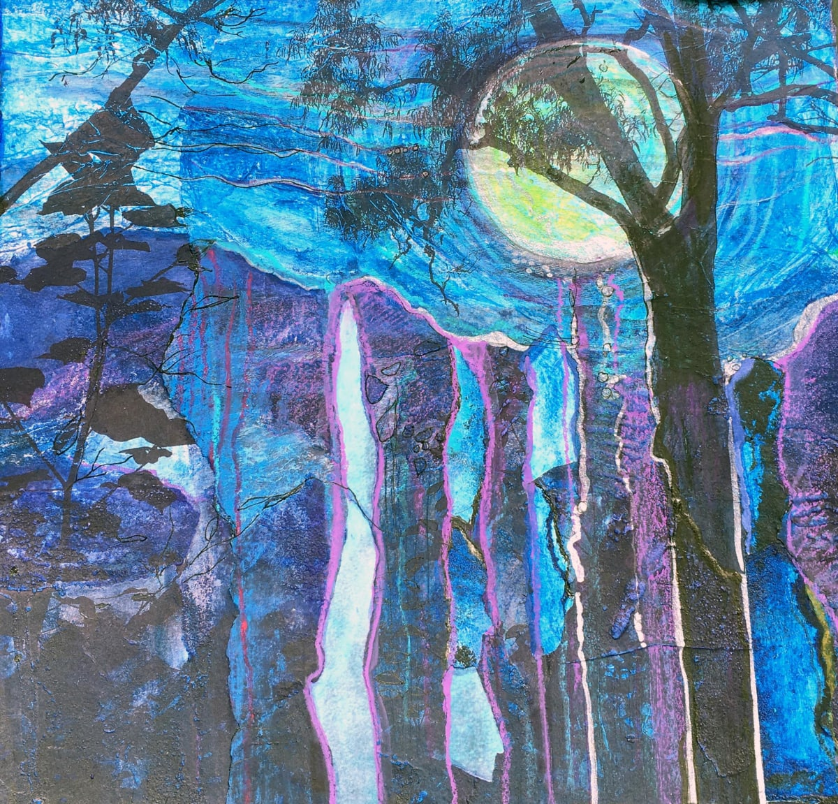 MCD099, Moon in the Trees by Ruth McDonald