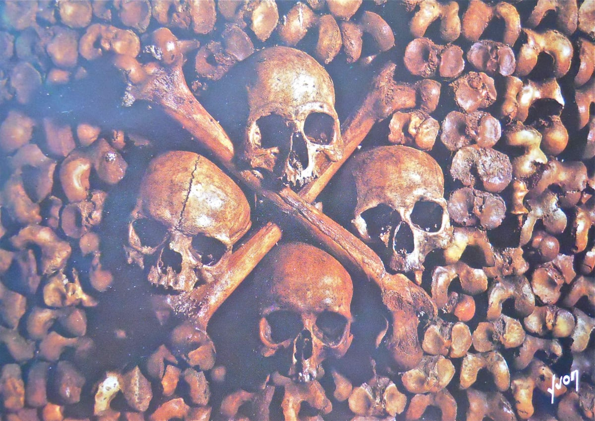 Les Catacombes de Paris by Unknown