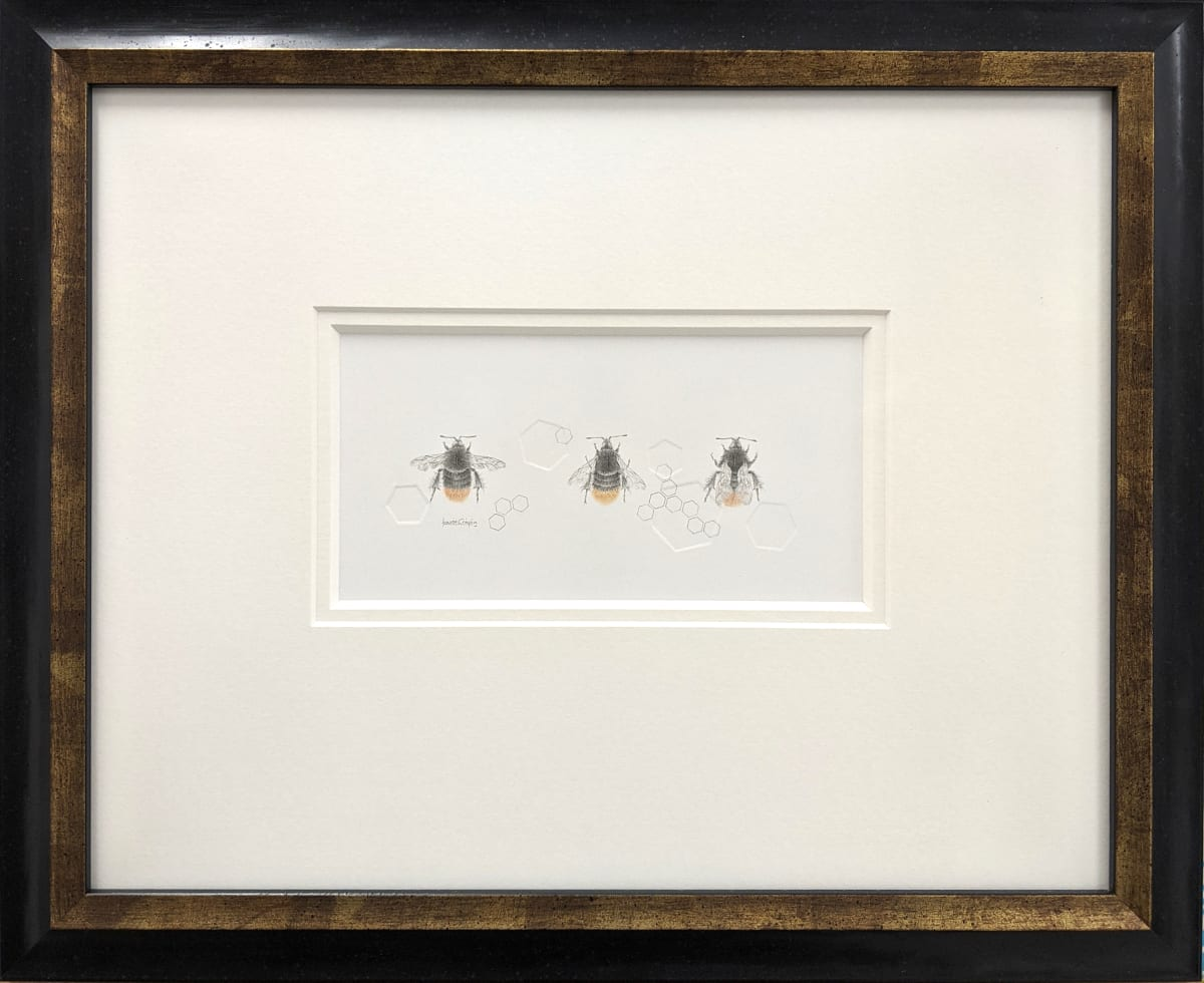 Buff tailed BumbleBee 3.33le by Louisa Crispin