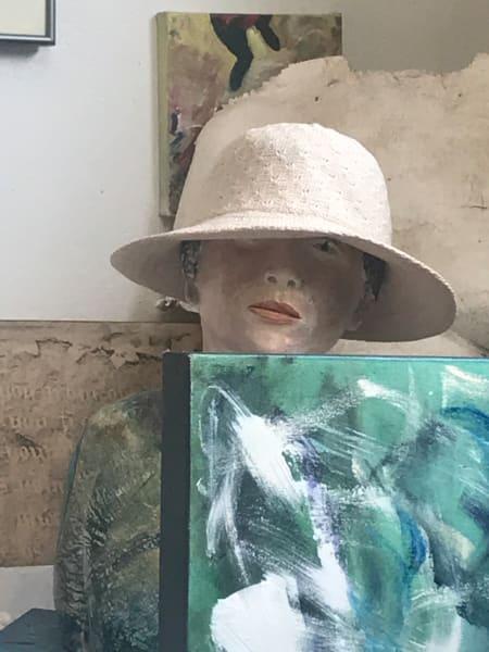 641- Woman with Hat- Studio Still#5