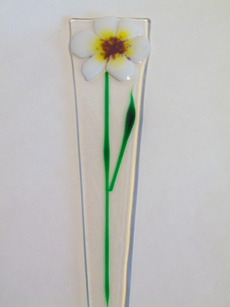 Plant Stake-White with purple center