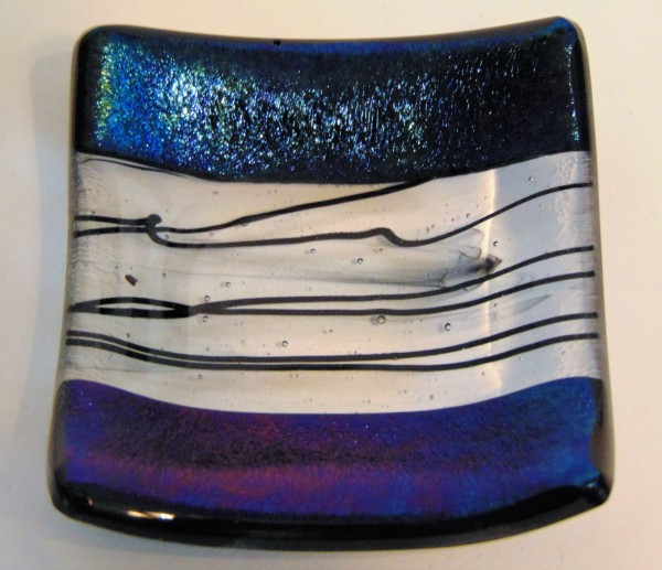 Small dish-Blue Irid with Black Stringer