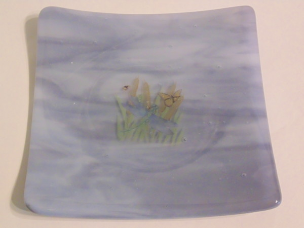 Small dish-Lavender streaky with dragonfly decal