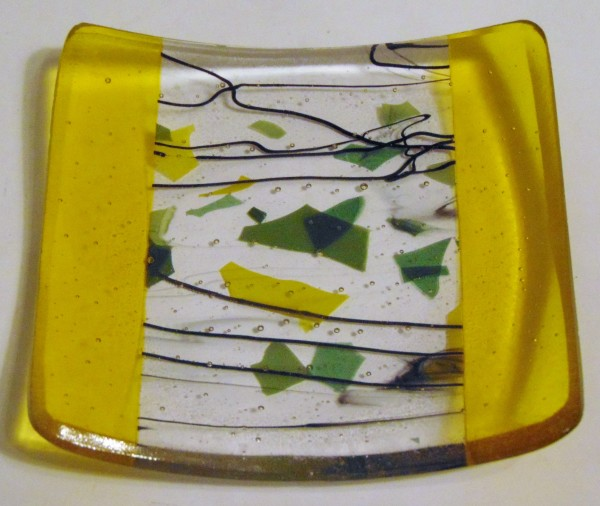 Cocktail Plate-Yellow with Stringer/Confetti