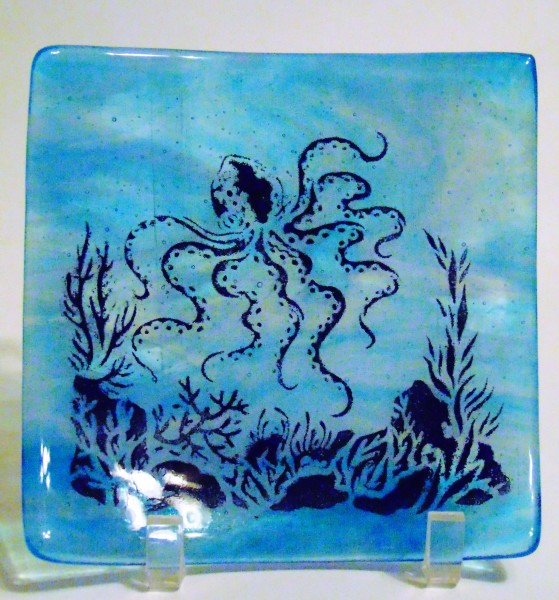Octopus Plate-Turquoise/White Streaky