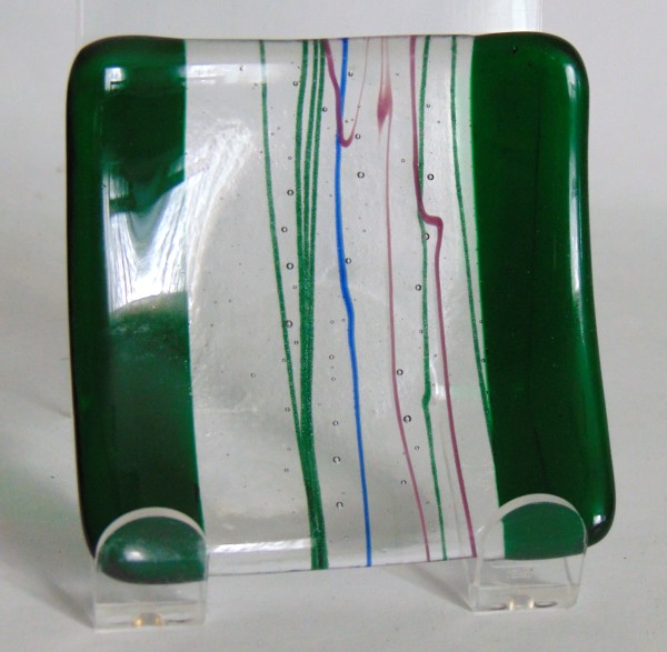 Small Plate-Green Edges with Green/Blue/Pink Streamers