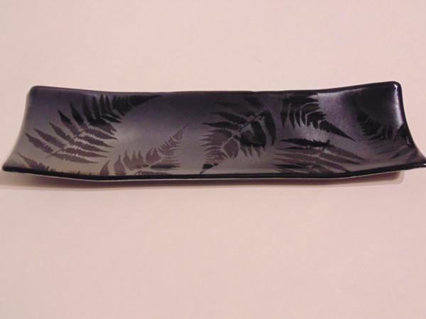 Long Dish-Ferns on Silver Irid