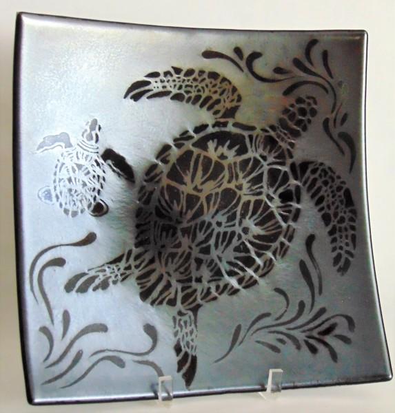 Plate-Sea Turtle on Black Irid