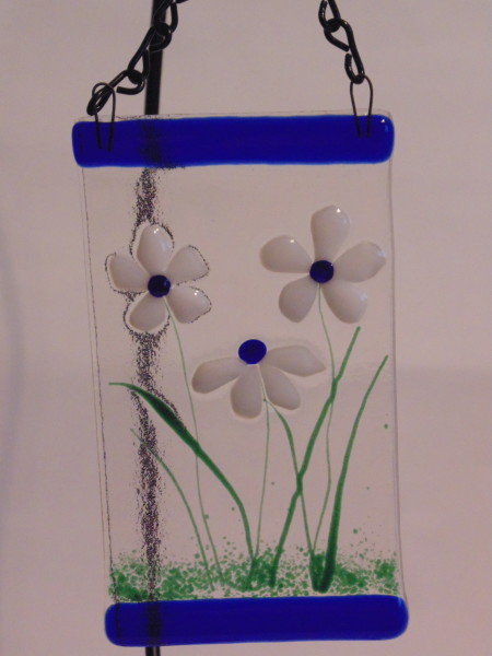 Garden Hanger-Small with white daisies