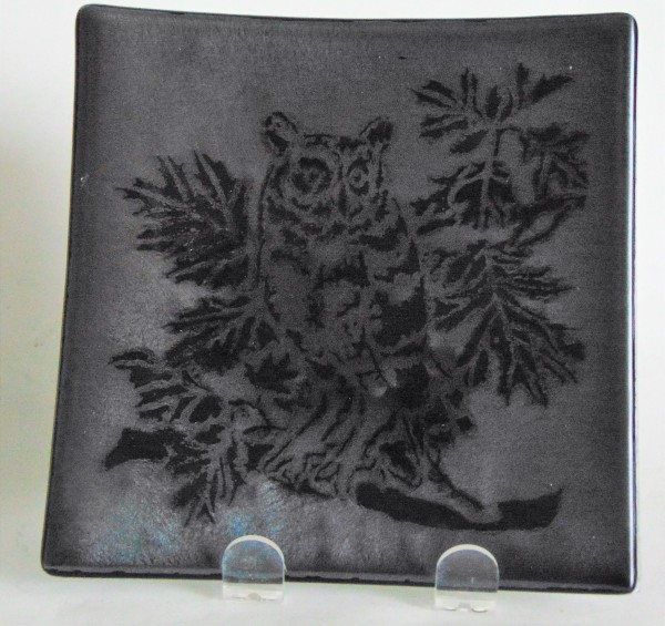 Plate-Owl on Silver Irid