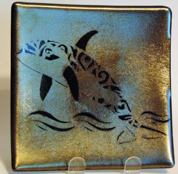 Plate with Filigree Orca on Gold Irid
