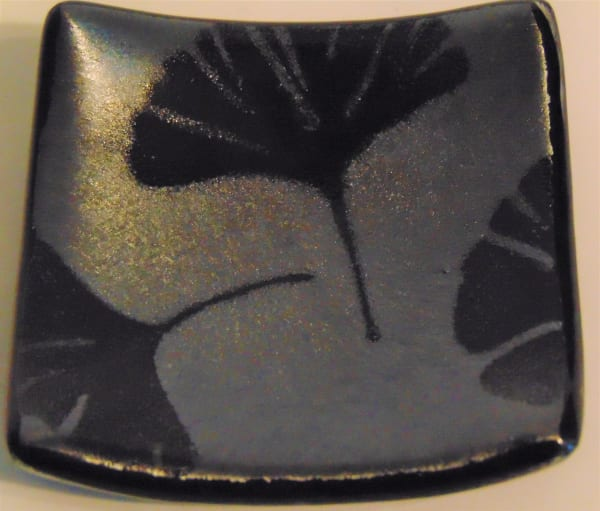 Small Dish-Black Irid with Ginkgo Leaves