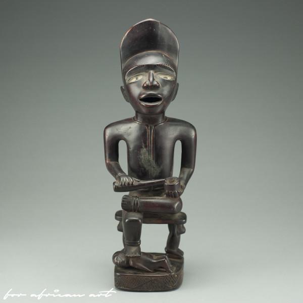 Yombe (Congo) figure