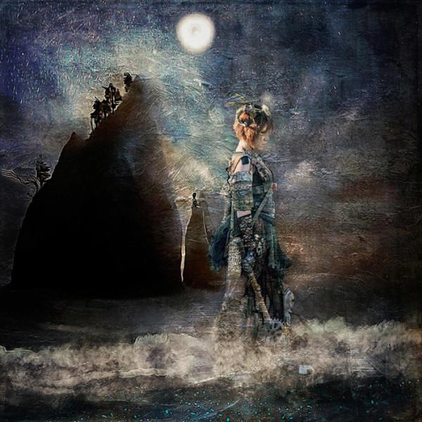 """Ilona Abou-Zolof – """"Time Traveller"""" - www.zolof.net"""