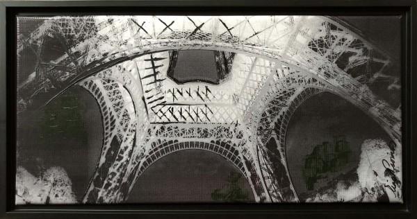 Eiffel Tower BW SM