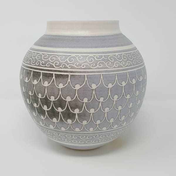 BRI061, Grey Carved Moon Jar