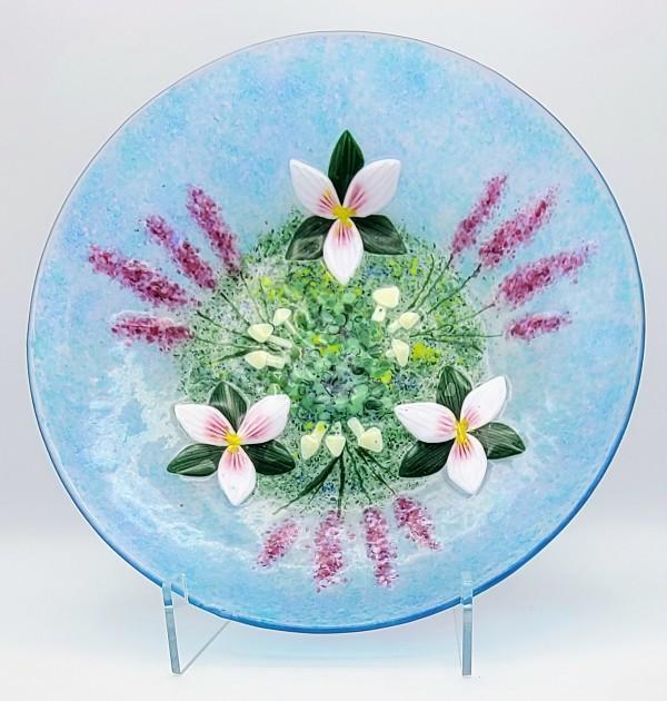 Trillium Bowl by Kathy Kollenburn