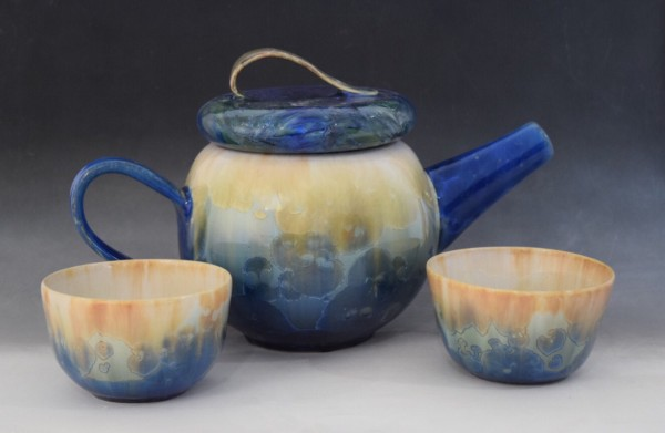 Gradient Blue Teapot with 2 cups by Nichole Vikdal