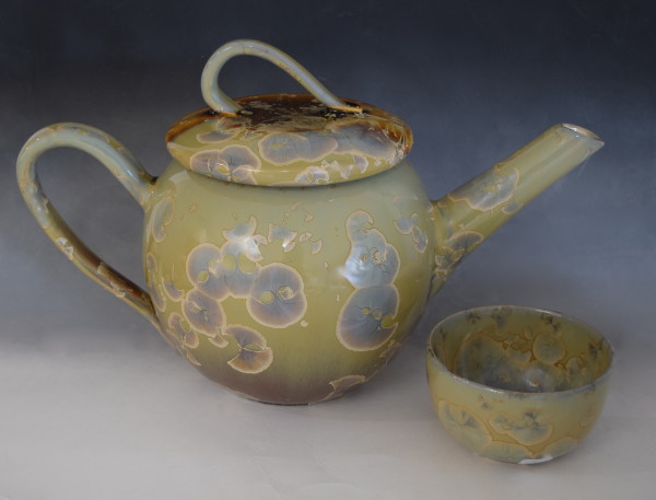 Oriental Teapot with 2 cups by Nichole Vikdal