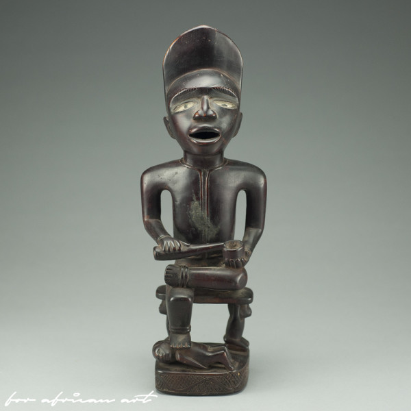 Yombe (Congo) figure by BaKongo