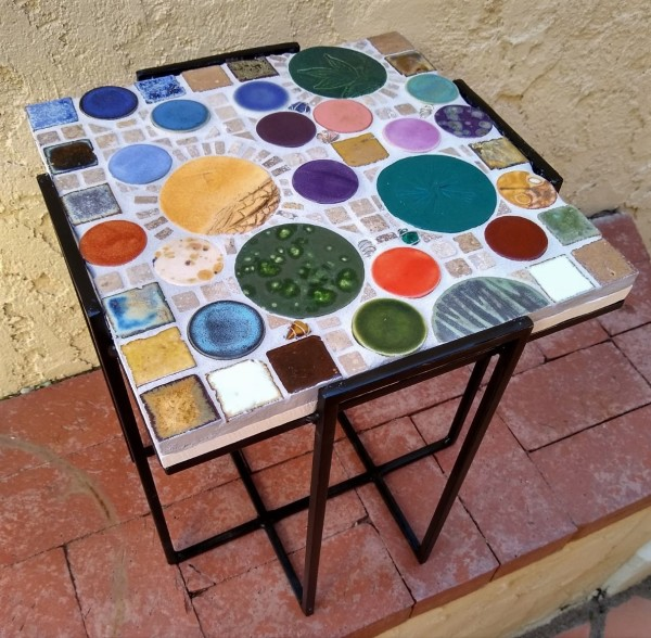 La Plaza Del Pueblo (small table) by Andrea L Edmundson