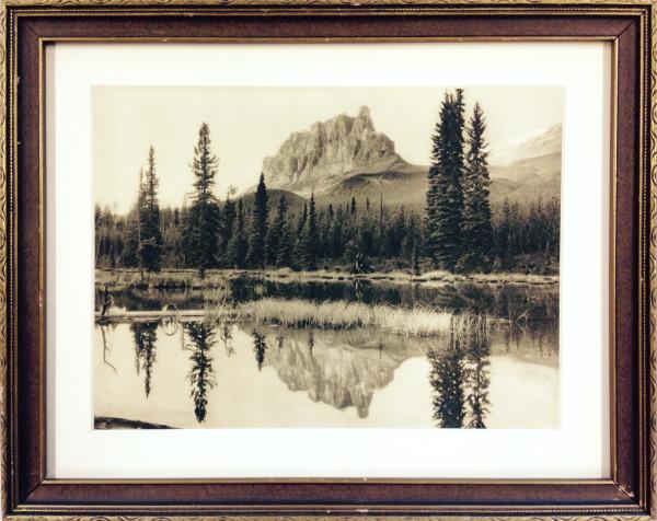 2650 - Mountain Lake