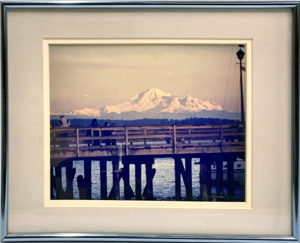 3052 - Pier Overlooking Mt. Baker
