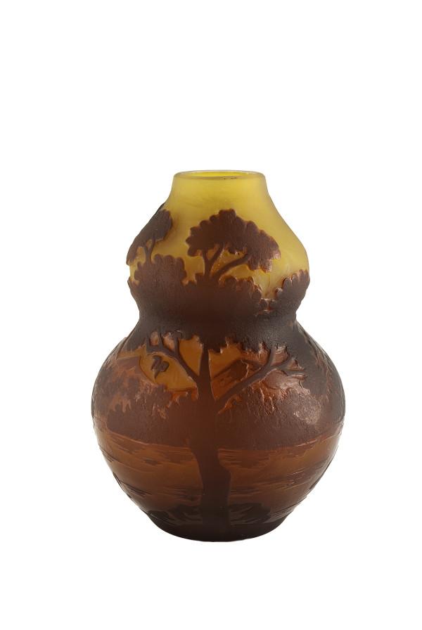 5039 - Galle  Glass Vase