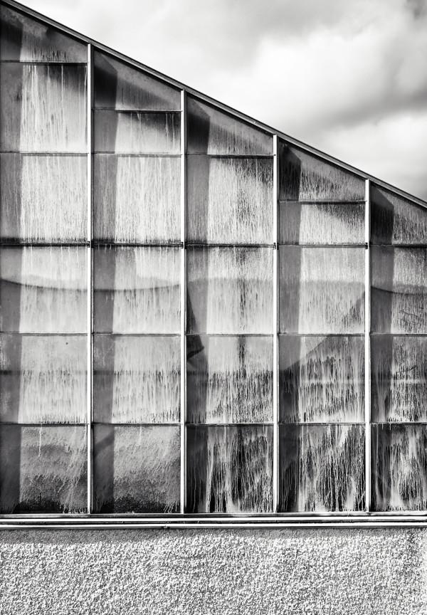 Between Worlds: Glasshouse Edinburgh by Bernard C. Meyers