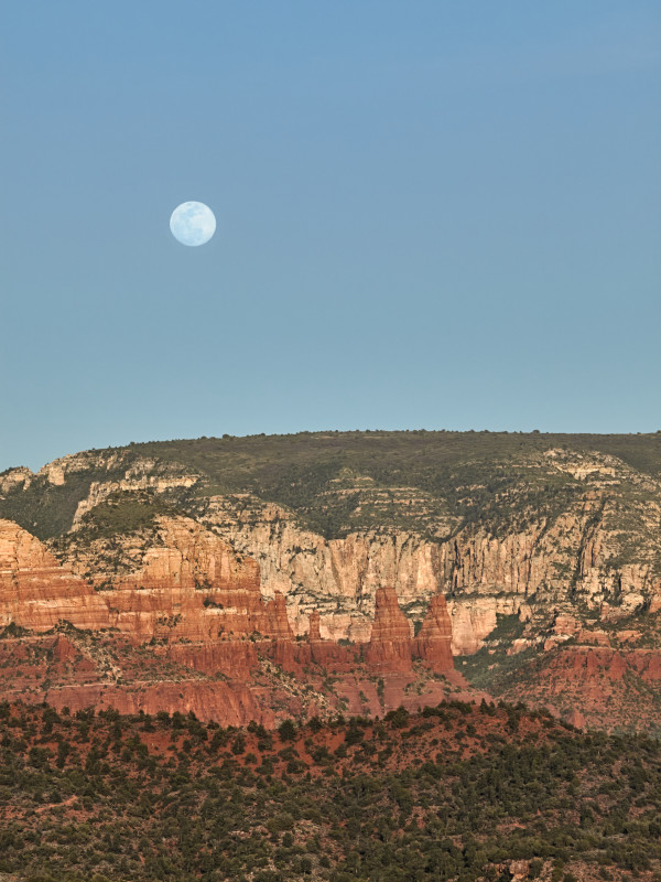 Sedona Moon Rise by Kent Burkhardsmeier