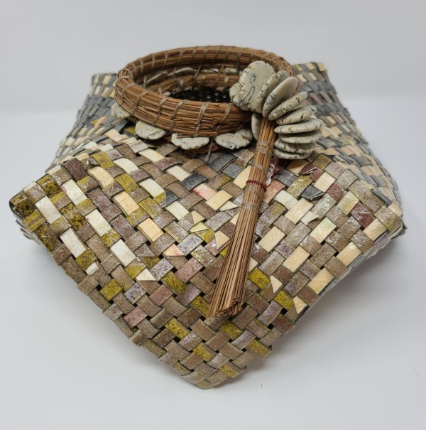 Circle Top Woven Basket by Roberta Condon