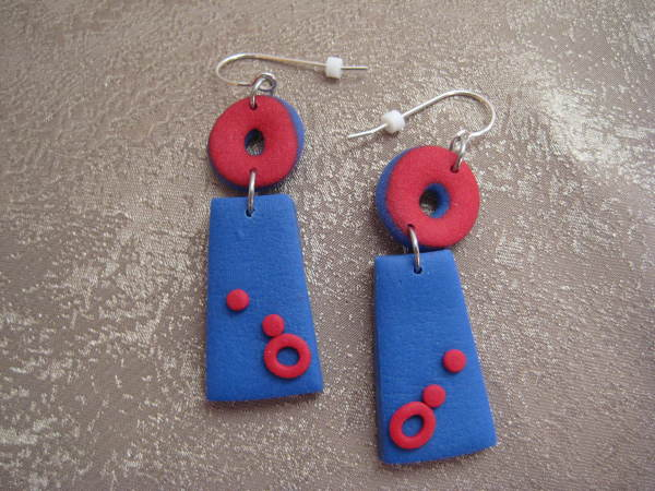 Red/Blue Earrings by Charmaine Harbort