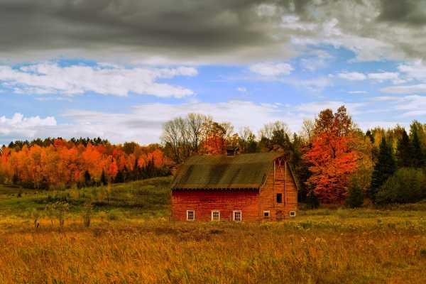 Autumn Barn (Framed Photograph) by Mike Murray