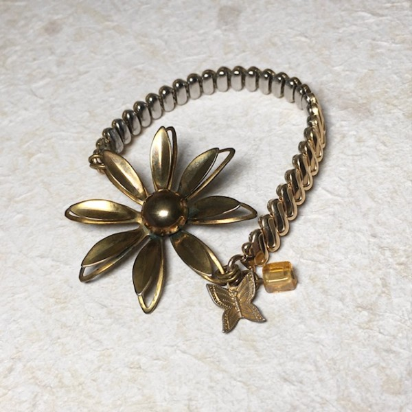 Daisy Bracelet by Luann Roberts Smith