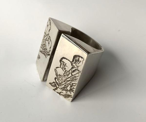 Doble caja by Ana Gabriela Rodriguez