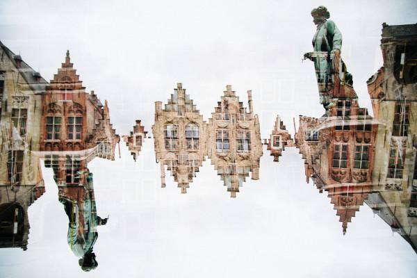 Bruges #211 by Robin Vandenabeele