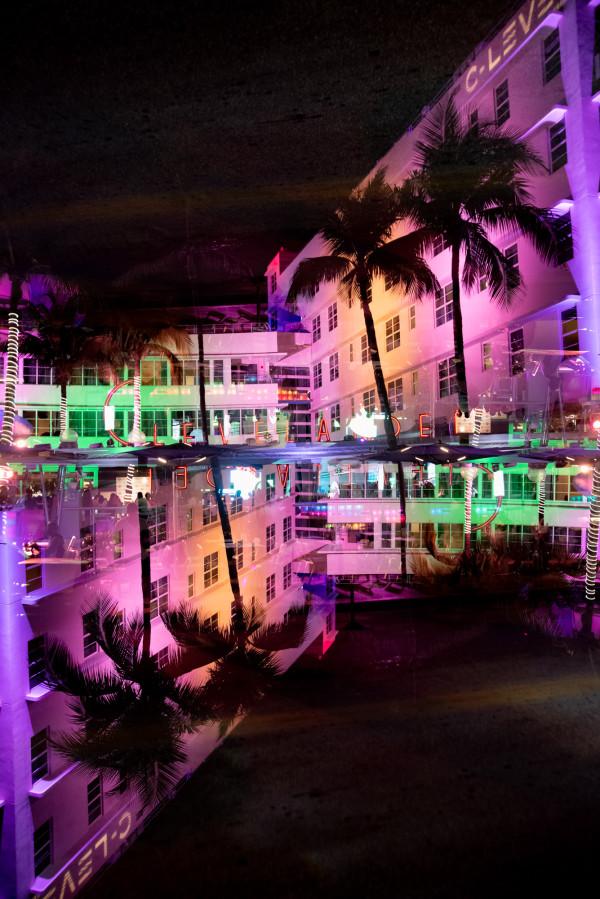 Miami Ocean Drive #02 by Robin Vandenabeele