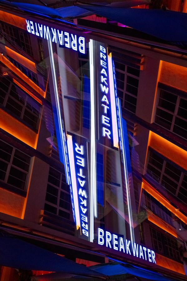 Breakwater hotel by Robin Vandenabeele