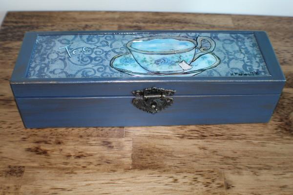 Tea box by Heather Medrano