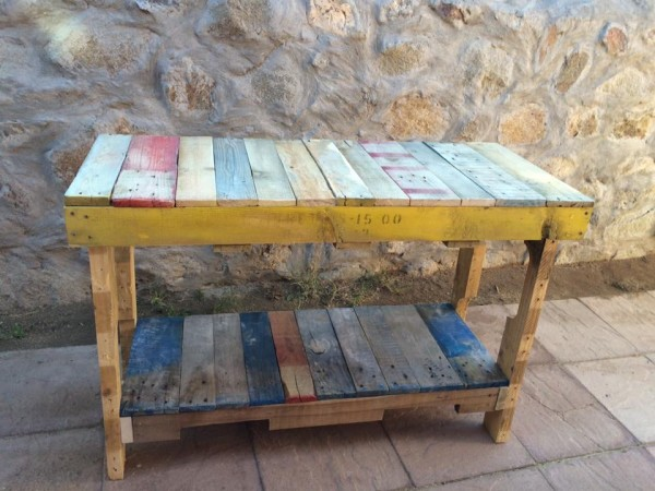 Pallet wood table by Heather Medrano