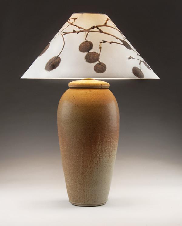 斯蒂芬·普罗克特(Stephen Procter)的棕褐色台灯(Sycamore pods)