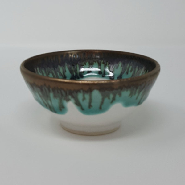 BRI056, Tiny White and Gold Bowl by Jane Bridger